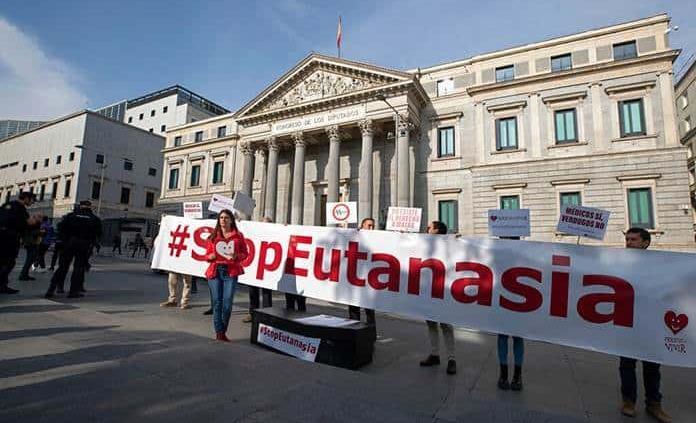 La ley de eutanasia sigue adelante en España
