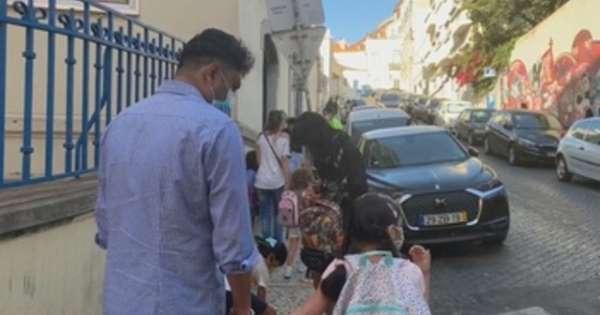 Niños eufóricos, padres ansiosos: Portugal vuelve al cole