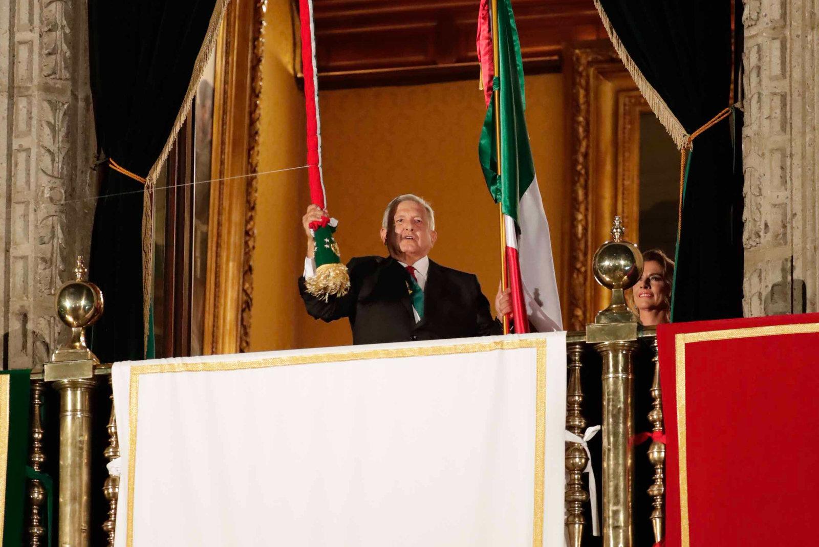 Encabeza AMLO ceremonia del Grito de Independencia