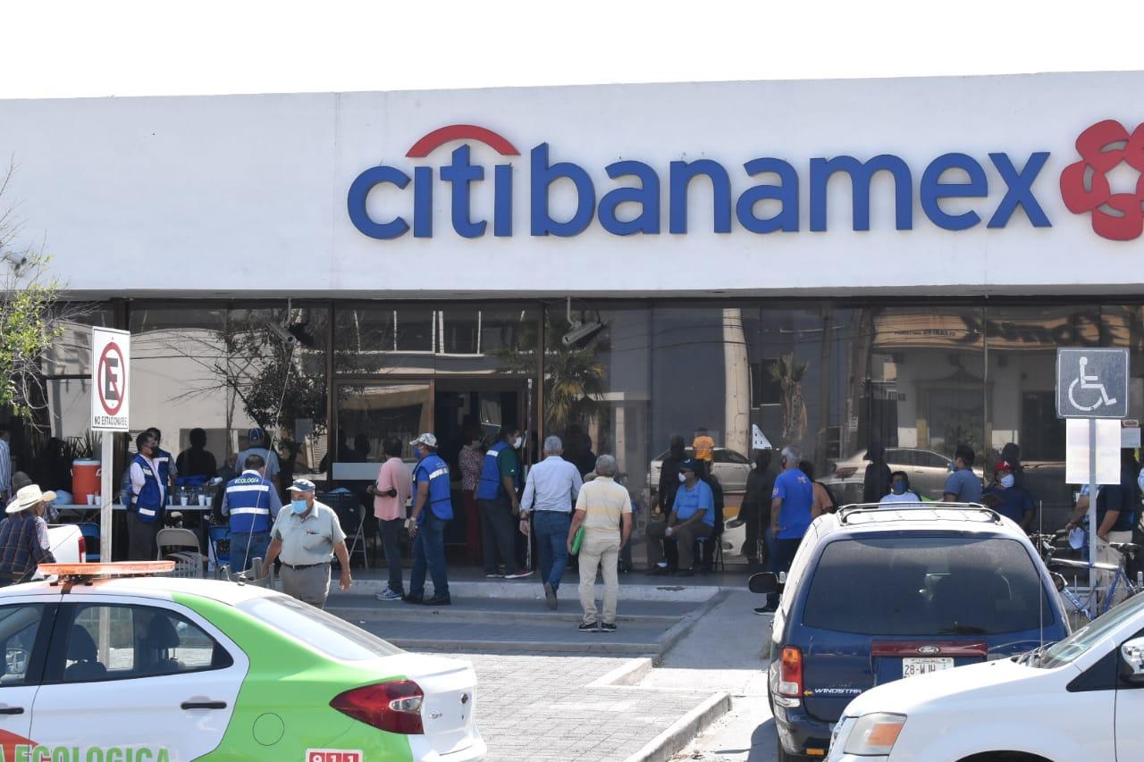 Bancos siguen descuidando riesgos de contagios Covid