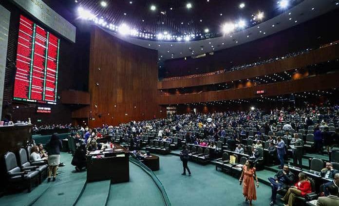 Piden quitar a juez de caso México Libre por cercanía con Calderón: 75 diputados