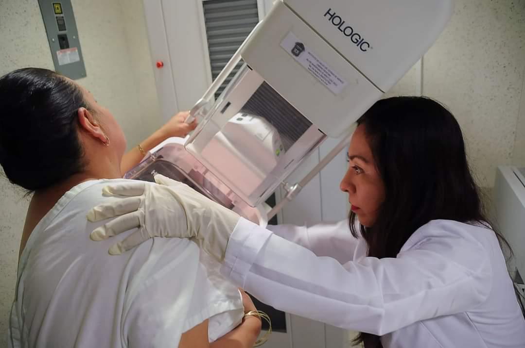 Sigue SS previniendo el cáncer de mama en Cuatro Ciénegas