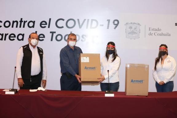 Recibe DIF Coahuila caretas para empacadores voluntarios