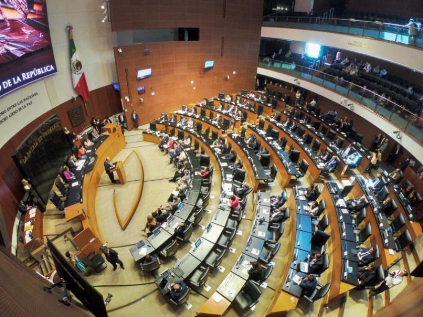 Senado avala consulta para enjuiciar a expresidentes