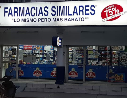 Asaltan farmacia