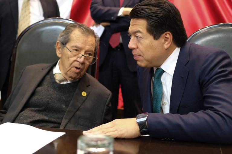 Muñoz y Delgado se acusan de peligrosos para AMLO