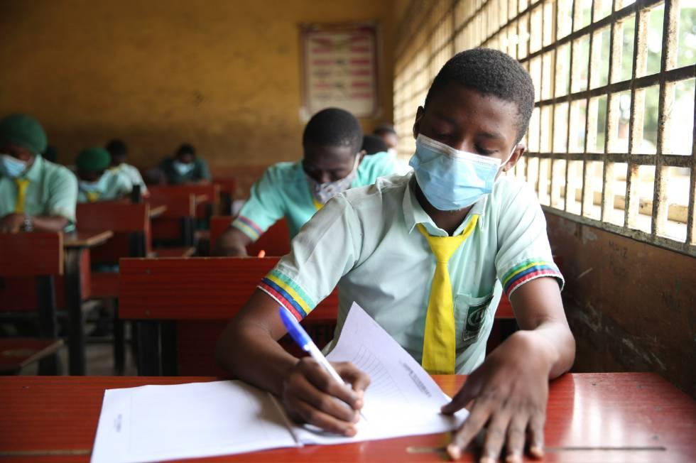 Millones de niños vuelven a las aulas en Nigeria, tras seis meses