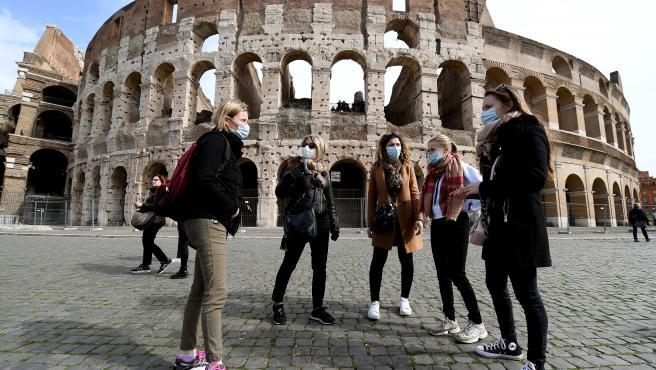 Italia suma 4,619 contagios y 39 muertos mientras ultima nuevas restricciones