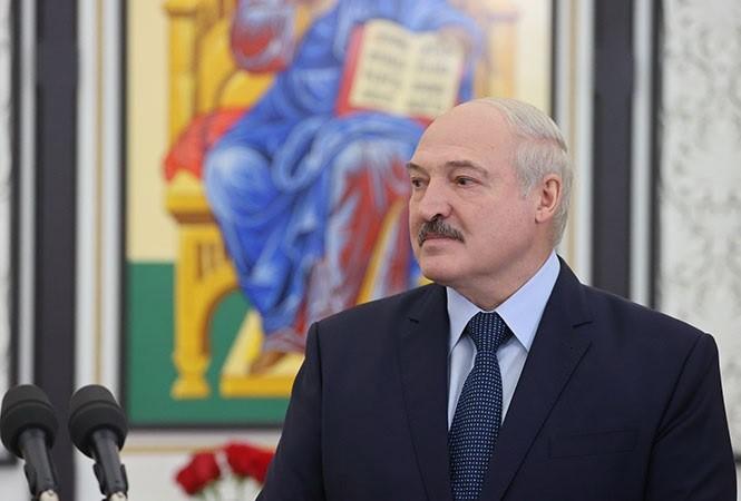 UE acuerda sancionar a bielorruso Lukashenko y por ataque químico a Navalni
