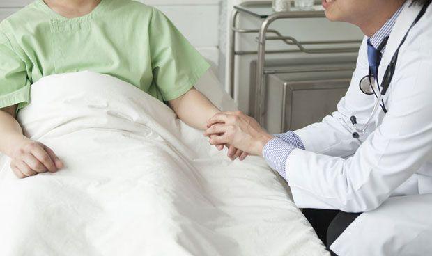Dos adolescentes con cáncer se contagian de covid-19 y aun así, logran superarlo