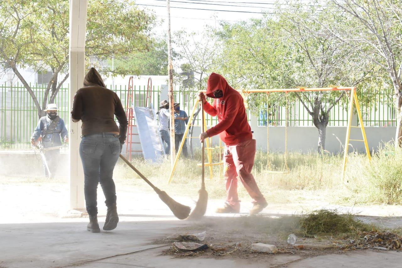 Inicia limpieza y sanitización de escuelas por elecciones en región centro de Coahuila; servirán de casillas