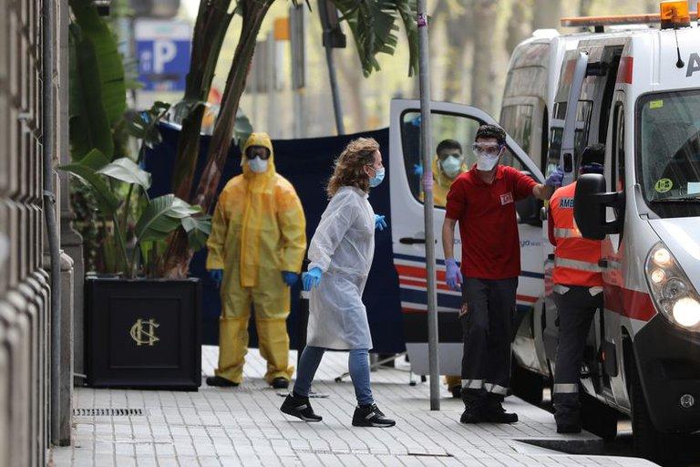 España suma más de 13,000 nuevos contagios y 140 muertes por la COVID-19