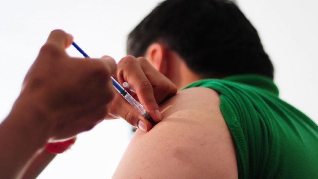 Anuncia investigación por venta ilegal de vacunas de Influenza: AMLO