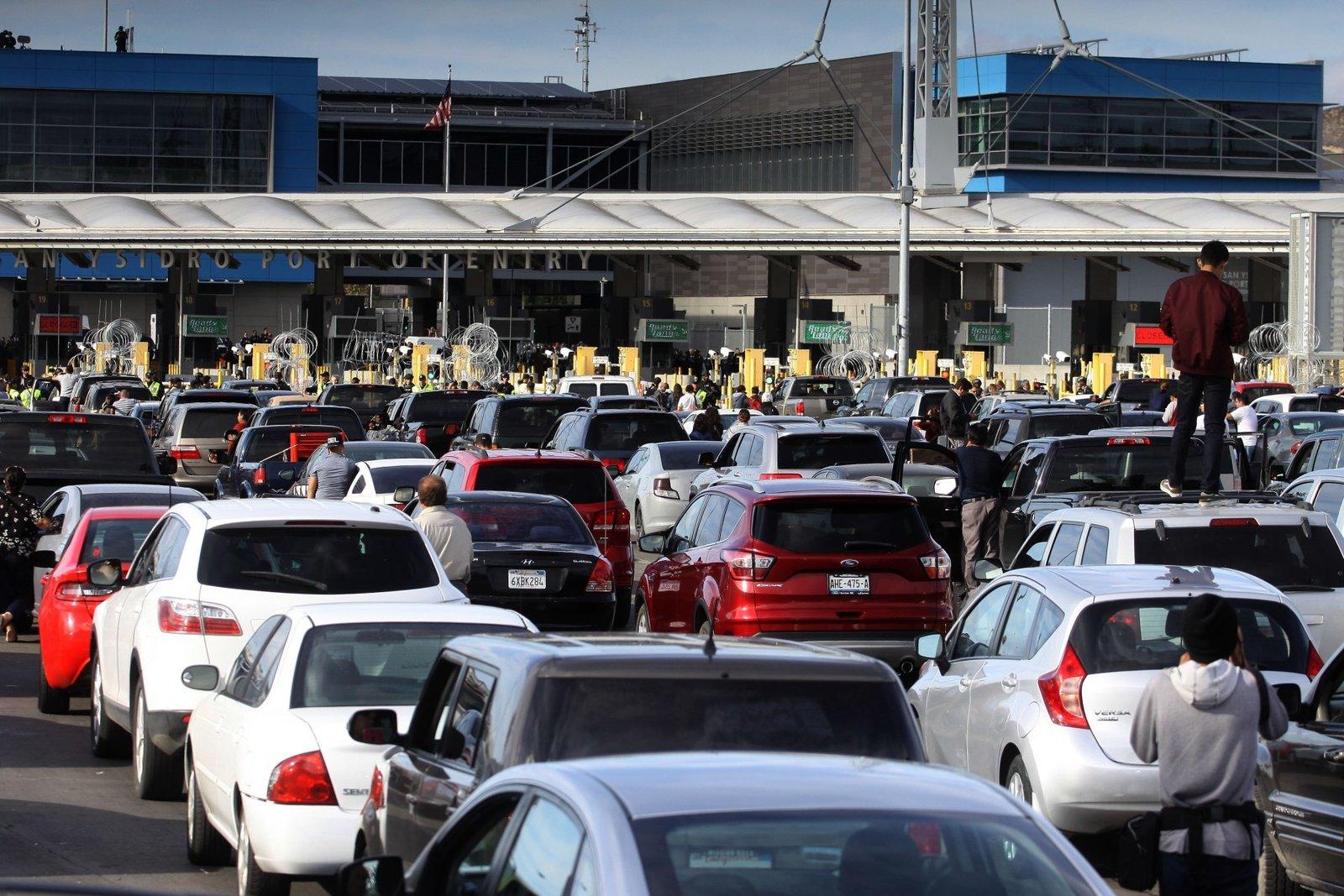 Cierre de frontera México-EU se extiende hasta noviembre