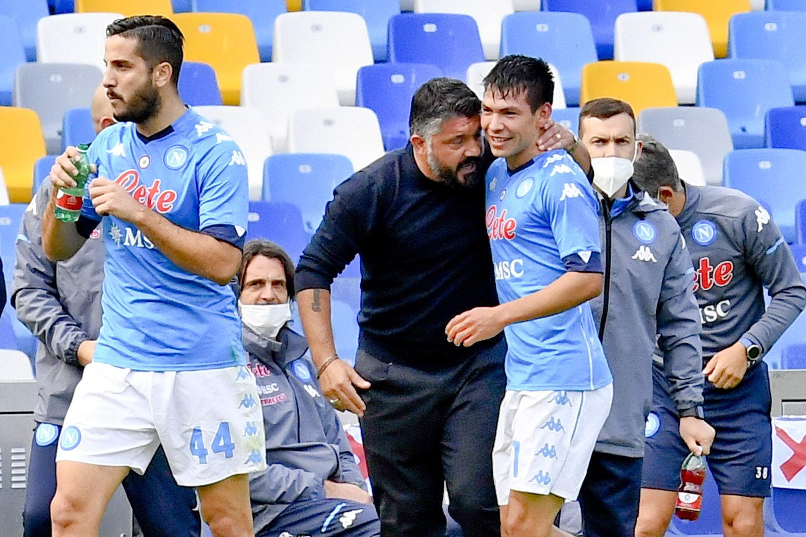Hirving Lozano marca dos goles en menos de media hora con el Napoli