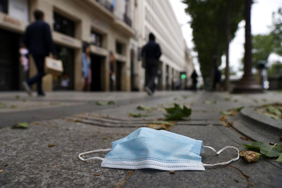 Toque de queda en Francia será más estricto hoy tras la flexibilidad de ayer