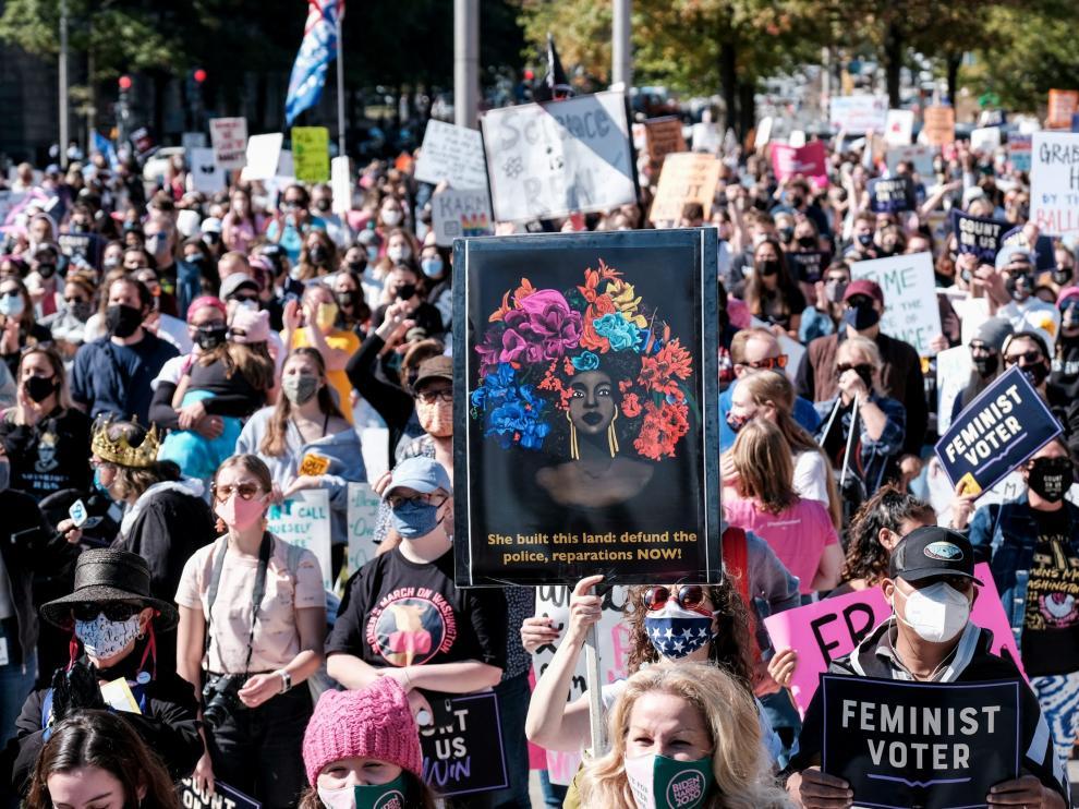 Protestan miles de mujeres en EU contra Trump por nominación de Amy Coney