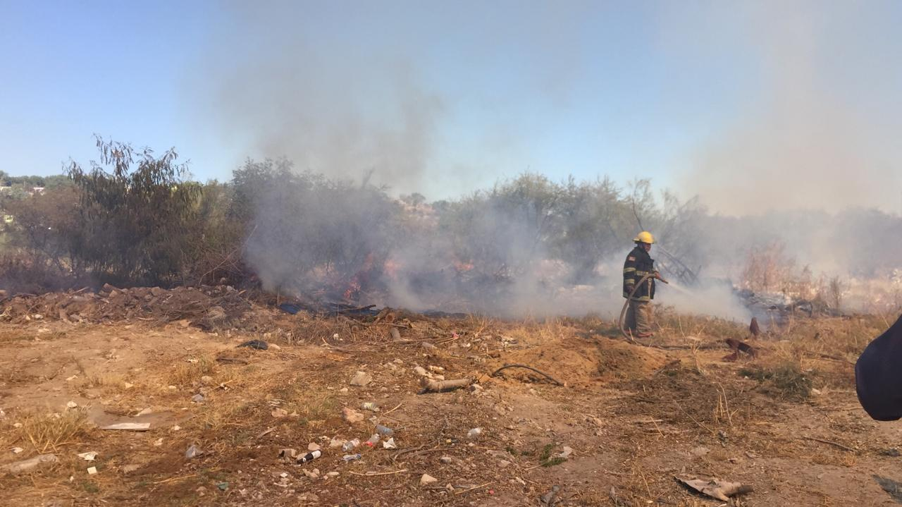 Incendian pastizal cerca de maquiladora