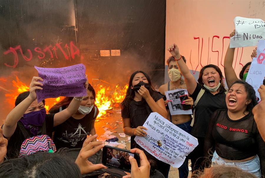 GALERÍA: Protestan feministas en Cancún