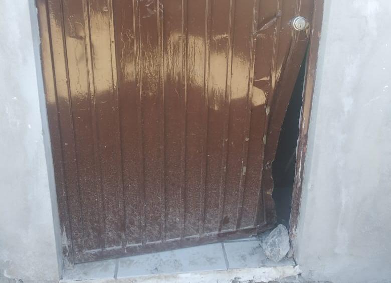 Le roban la bocina a ama de casa en Monclova
