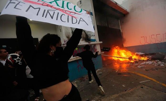 CNDH reprueba agresión contra manifestación feminista en Cancún