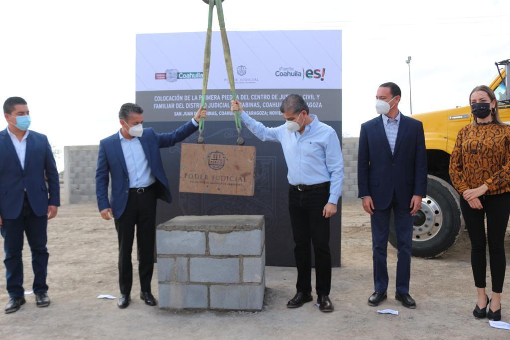 Colocan la primera piedra  del Centro de Justicia Civil  en la Región Carbonífera