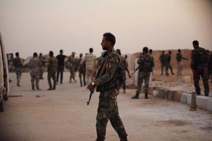 Más de una docena de soldados sirios muertos en ataques del EI en el desierto