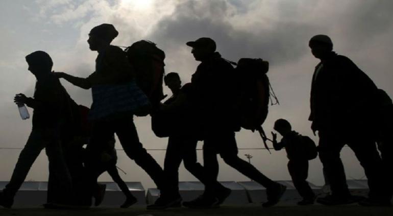 Guardia Nacional detiene a vehículo que transportaba a migrantes en Oaxaca