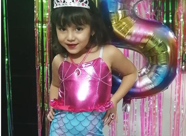 Amelia festeja 5 añitos