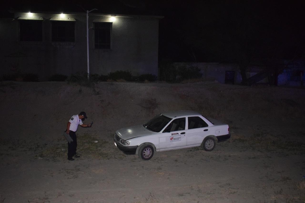 Cae a arroyo con todo y vehículo en la Obrera Sur de Monclova
