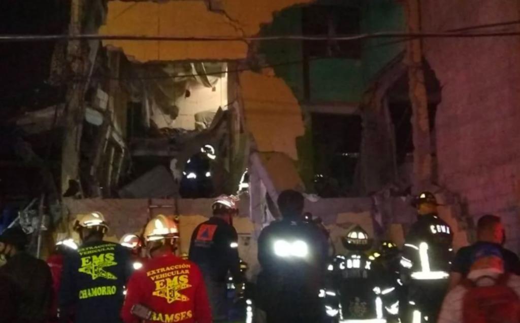 Explosión de gas en domicilio deja dos muertos en la Ciudad de México