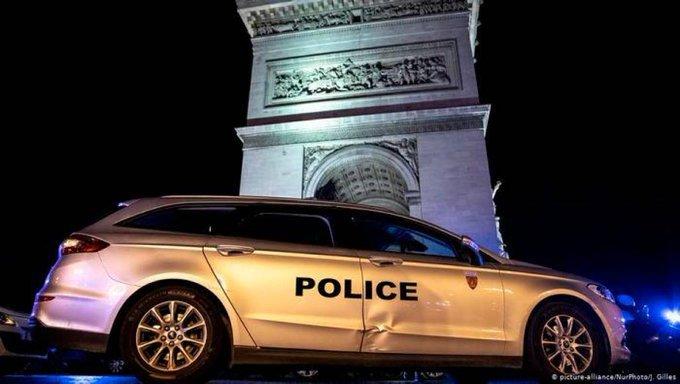 La policía francesa interrumpe una fiesta clandestina con 300-400 personas
