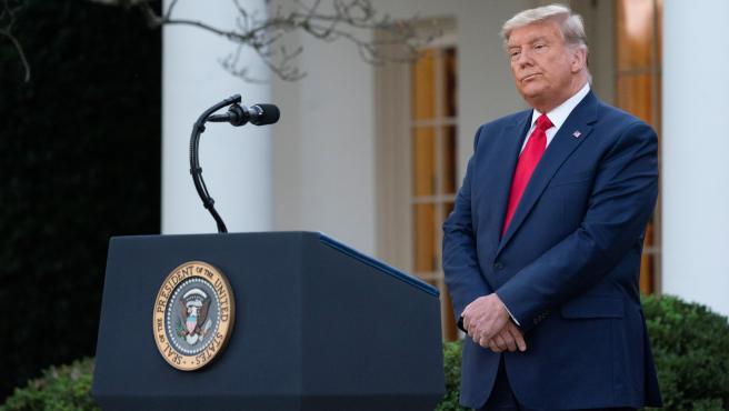 Insta Trump al Congreso a aprobar un rescate económico 'grande y centrado'