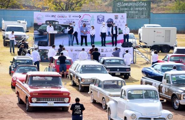 Dan autos clásicos recorrido en Pueblos Mágicos de Coahuila