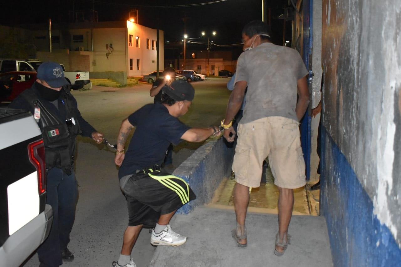 Detienen a par de ebrios en Monclova
