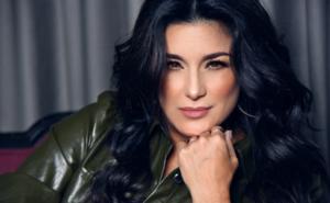 Karina se reinventa en la música y enfrenta al reggaetón