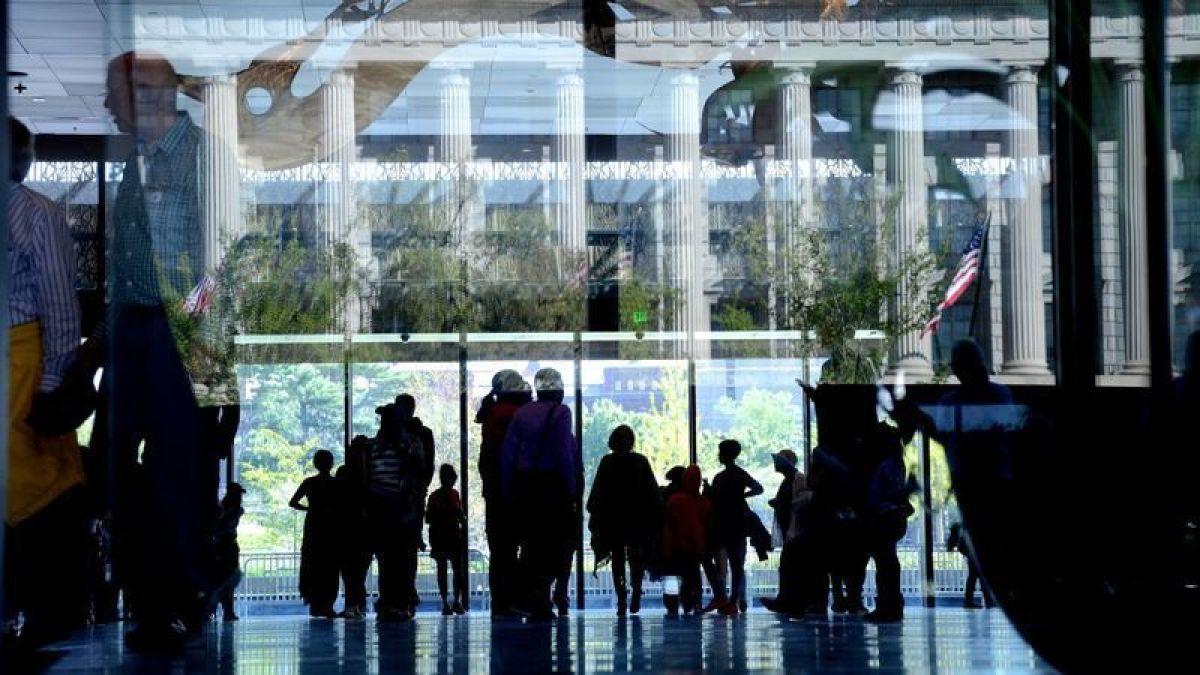 Washington vuelve a cerrar sus museos Smithsonian por nueva ola de covid-19