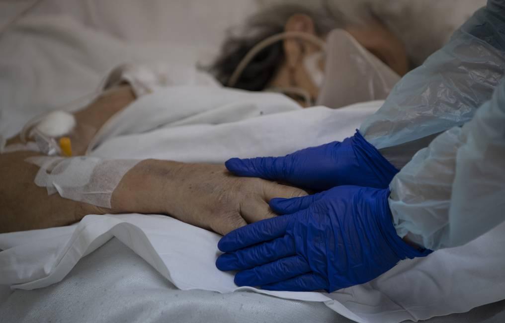 Chile supera 15,000 muertos, con pandemia estabilizada y apertura en marcha