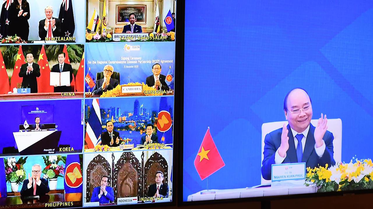 China dice que estudiará unirse al tratado comercial transpacífico