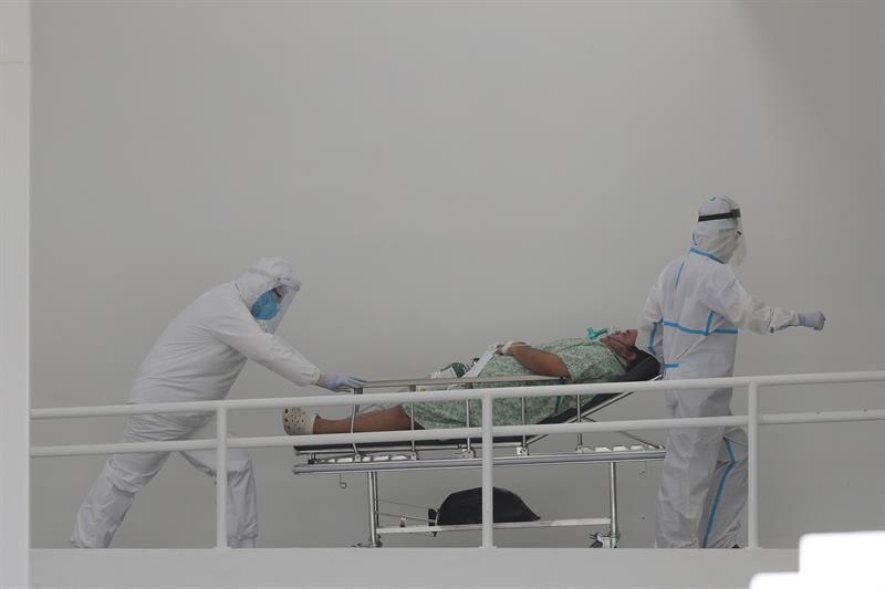 Tres fallecidos más por la COVID-19 en El Salvador elevan la cifra a 1,064