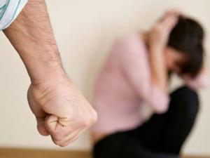 El COVID-19 Y la violencia, son las dos pandemias que enfrentan las mujeres