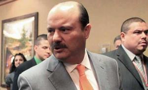 Jueza de EU concede más tiempo a exgobernador César Duarte para su defensa