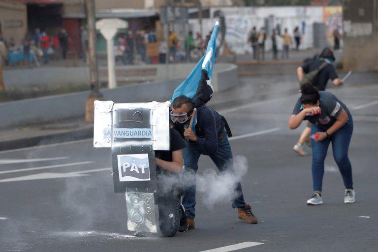 Una veintena de retenidos en una protesta de jóvenes y sindicatos en Panamá