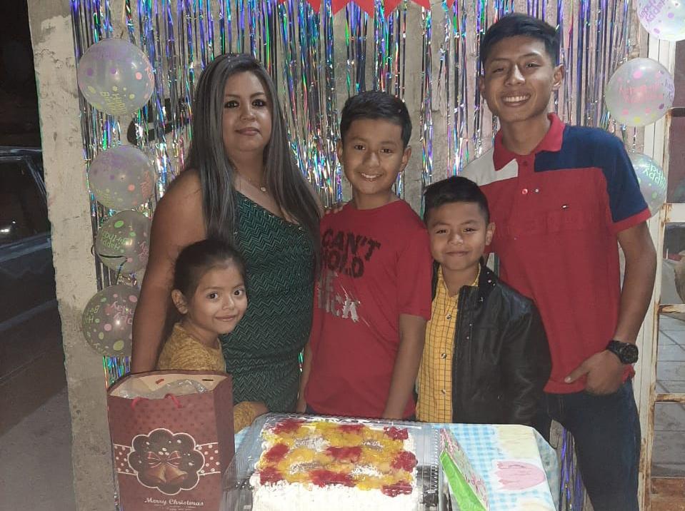 Yahir celebra 12 años
