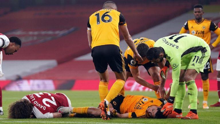 Raúl Jiménez regresa a entrenar con los Wolves tras fractura de cráneo