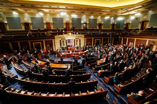 Congreso se retira para debatir objeciones al resultado electoral en Arizona