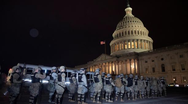 El Congreso retomará su sesión sobre las elecciones tras asalto al Capitolio