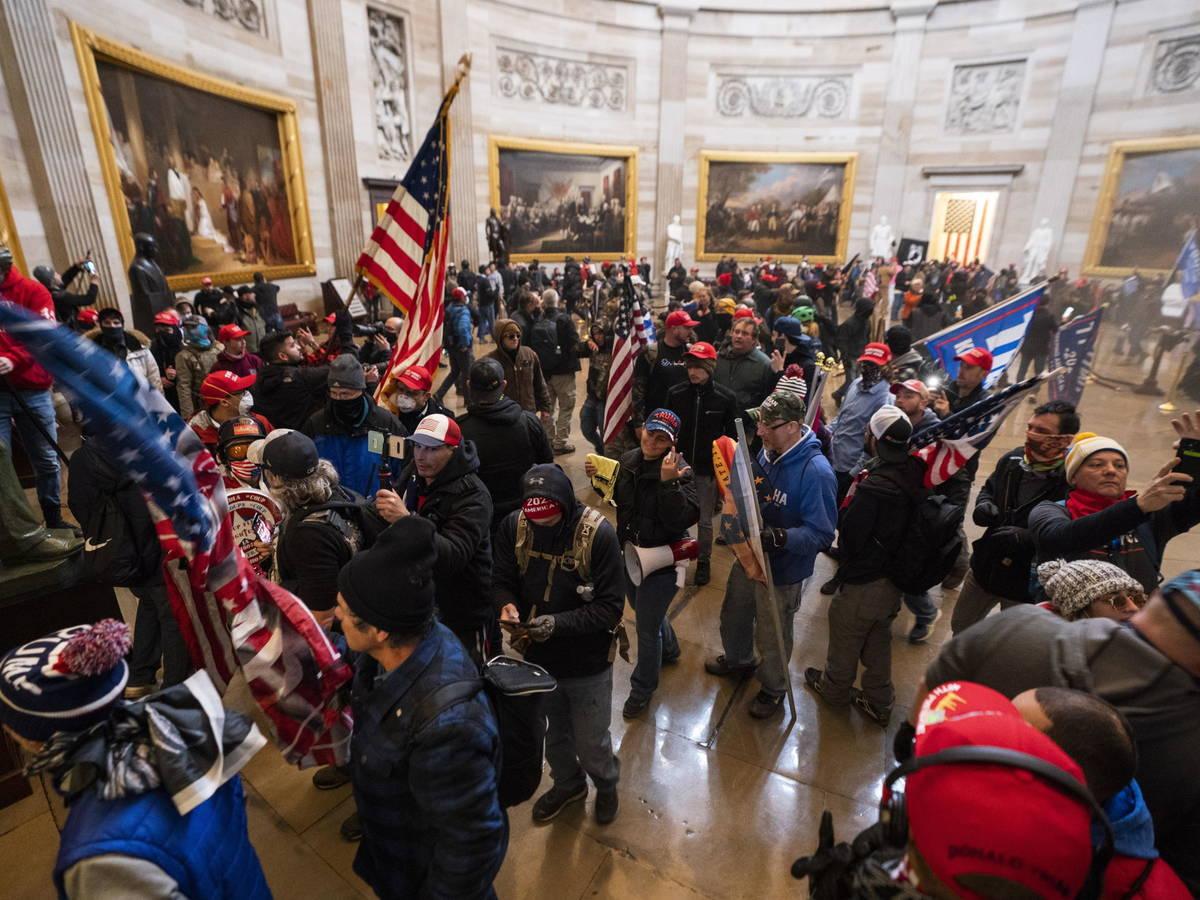 Autoridades brasileñas repudian el asalto al Congreso de Estados Unidos