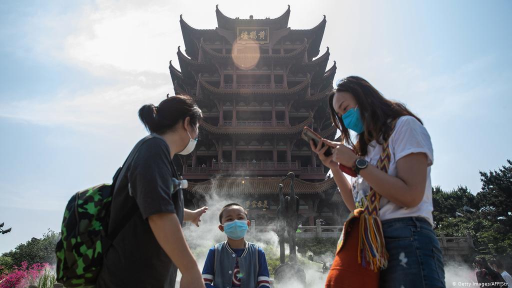 China suma 52 contagios locales, más del doble que el día anterior