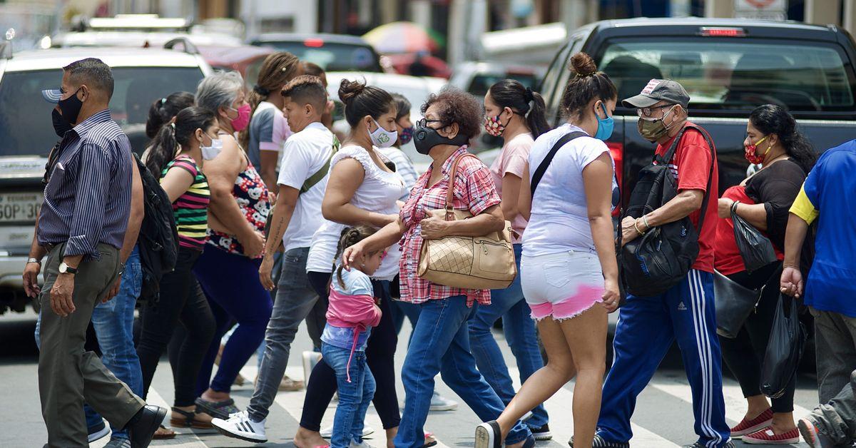 Ecuador vuelve a superar los mil casos en un día y suma 218.385 positivos